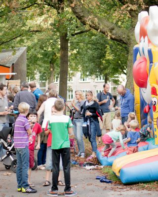 Community Barbeque with icecream and lots of activities for the kids